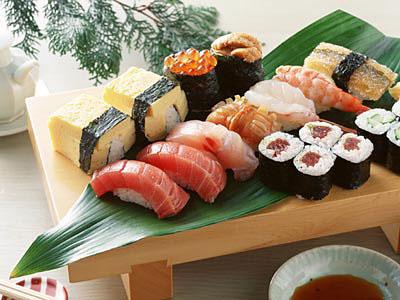 Sosialutvalget arrangerte sushi-kurs i kantinen med kokker fra Holmedal, masse gode råvarer, og motiverte kolleger med sans for sushi. Vi lærte å lage en rekke ulike varianter og laget mat […]