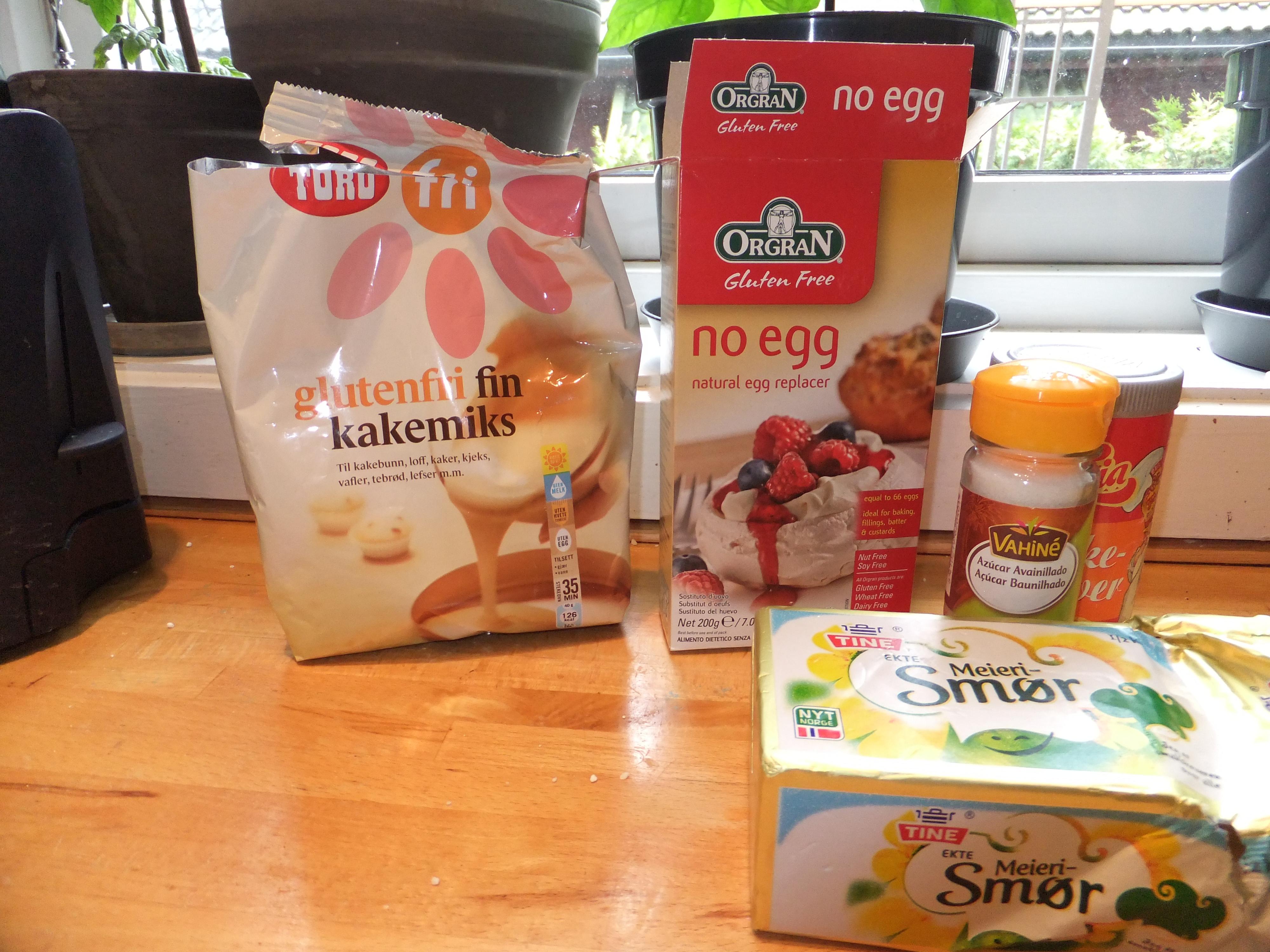 Pga gluten og eggeallergi prøvde jeg meg fram med å lage en variant av cupcakes som inneholdt egge-erstatning og fin glutenfri kakemix. Kakene ser pene ut, og kan spise ved […]