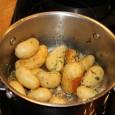 Jeg spiser sjelden poteter, men når jeg først gjør det smaker det desto bedre. Å lage poteter på denne måten er veldig greit til grillmat, fondue og biff . En […]