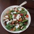 Denne salaten er super på 17. mai-buféeten eller som lunsj. Og den har lite karbohydrater om du ikke spiser brød til. Denne porsjonen er én lunsj-porsjon, så du kan bare […]